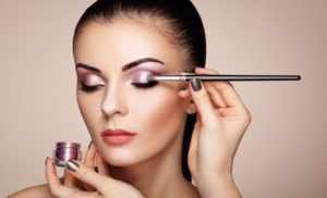 QUALIFICA MAKE-UP ARTIST<br>Corso Qualifica Professionale 194 h